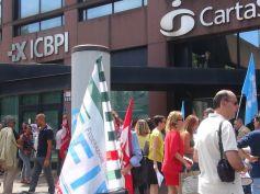 First Cisl Lombardia, presidio davanti alla sede di ICPBI